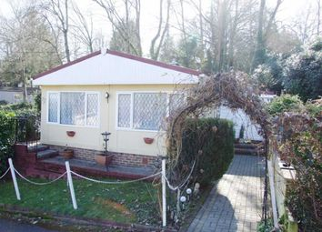 2 bed mobile/park home for sale in Jay Walk, Turners Hill, West Sussex RH10