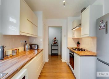 Milman Close, Pinner, Middlesex HA5. 2 bed flat