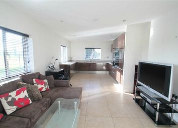 Thumbnail 2 bedroom flat to rent in Royal Connaught Drive, Bushey, Hertfordshire