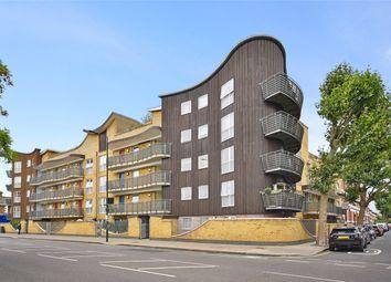 Oaklands Court, 394 Uxbridge Road, London W12. 1 bed flat