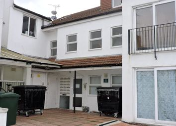 2 bed flat to rent in Shanklin Road, Brighton BN2