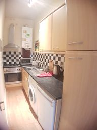2 bed flat to rent in West Mount Street, Aberdeen AB25