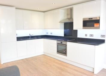 Thumbnail 4 bed flat to rent in Golders Rise, London