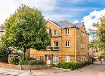 Richmond Road, Twickenham TW1. 1 bed flat for sale