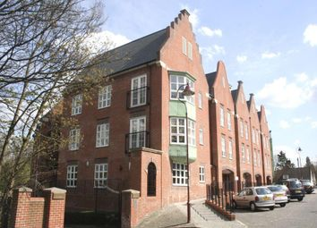Thumbnail 3 bed flat to rent in Watling Street, Radlett