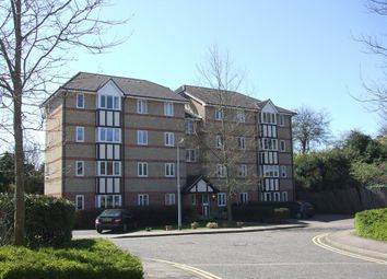 Thumbnail 2 bedroom flat to rent in Woodland Grove, Epping