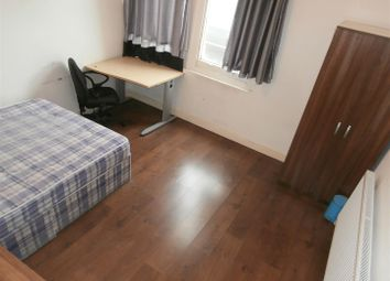 Thumbnail 4 bed flat to rent in Church Gate, Leicester