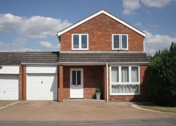 Thumbnail 4 bed detached house to rent in Rothwell Gardens, Woodley, Reading