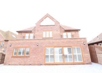 Thumbnail 5 bed detached house to rent in Hoe Lane, Abridge