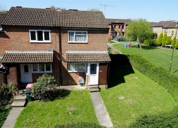 Thumbnail 1 bed property to rent in Hedgeside, Crawley