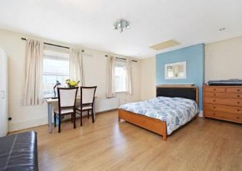 Thumbnail 4 bed property for sale in Greenwich High Road, London
