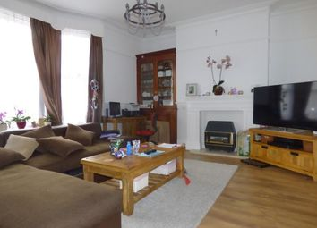 Thumbnail 1 bed flat to rent in Grosvenor Road, Tunbridge Wells
