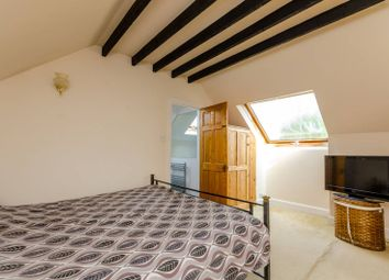 3 bed property for sale in Stoughton Road, Guildford GU2