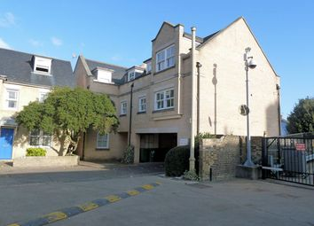 Thumbnail 2 bed flat to rent in Broad Street, Cambridge