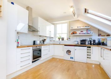 3 bed flat to rent in Edge Hill, Wimbledon, London SW194Lr SW19