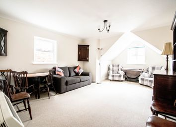 Thumbnail 2 bed flat to rent in Waldeck Road, London