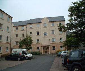 3 bed flat to rent in Brown Street, Newington, Edinburgh EH8