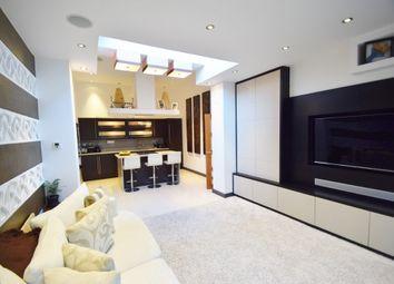 Thumbnail 2 bedroom flat for sale in Finchley Lane, Hendon, London