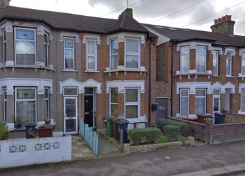 Thumbnail 1 bed flat to rent in Barking, Essex