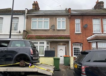 3 bed terraced house to rent in Leigh Road, London E6