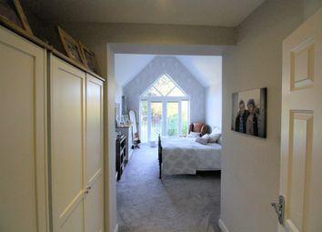 Thumbnail 5 bed detached house for sale in Calder Avenue, Brookmans Park, Hatfield