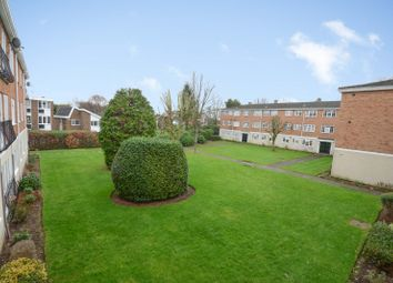 2 bed flat to rent in Gainsborough Court, Walton-On-Thames KT12