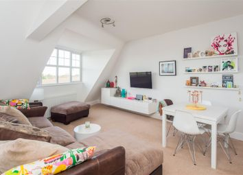 Thumbnail 2 bedroom flat for sale in Queens Road, Hersham, Walton-On-Thames