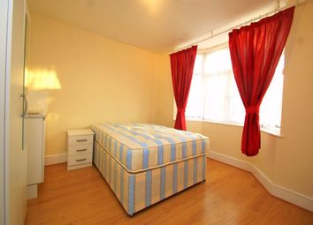 Thumbnail Room to rent in The Crescent, Slough, Berkshire
