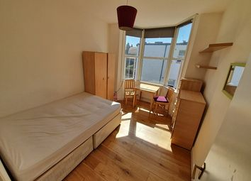 Thumbnail Studio to rent in Westbury Avenue, Turnpike Lane