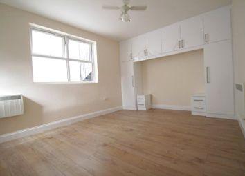 Peckham High Street, London SE15. Studio to rent