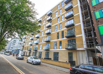 Thumbnail 1 bed flat to rent in Victoria Avenue, Southend-On-Sea