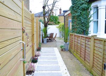 Rowlls Road, Norbiton, Kingston Upon Thames KT1. 1 bed flat for sale