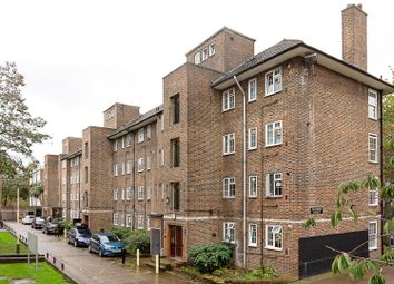 3 bed property to rent in Fallodon House, Larkhall Lane, London SW8