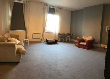 Thumbnail 4 bed flat to rent in High Street, Haounslow