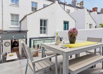 3 bed terraced house to rent in Clifton Street, Brighton BN1