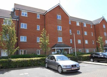 Thumbnail 2 bedroom flat to rent in Worthing Close, Grays
