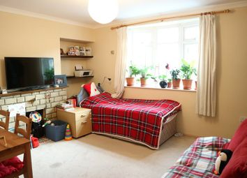 Thumbnail 2 bedroom property to rent in Saxon Drive, London