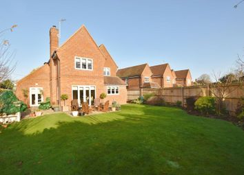 Thumbnail 5 bed detached house to rent in Parish Piece, Holmer Green, High Wycombe