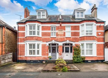 4 bed property for sale in Kingsfield Road, Watford WD19