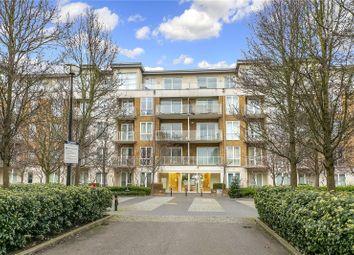 Melliss Avenue, Kew, Surrey TW9. 2 bed flat for sale