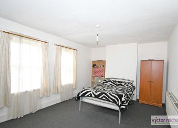 3 bed maisonette to rent in High Street North, East Ham, London. E6