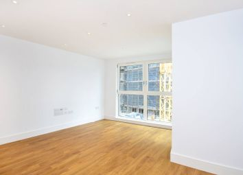 Thumbnail Flat to rent in Queensland Road, Highbury