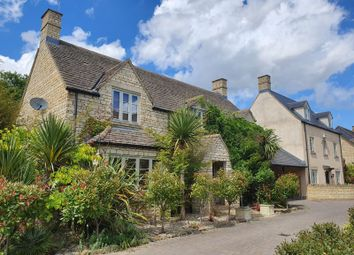 5 bed detached house for sale in Hyde Close, Cirencester GL7