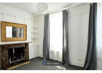 2 bed maisonette to rent in Stoke Newington High Street, London N16
