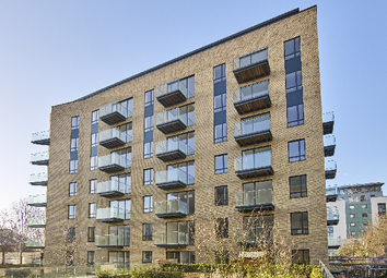 Thumbnail 1 bedroom flat for sale in Kew Bridge Road, London