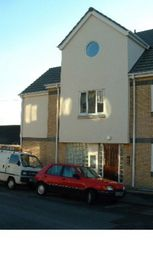Thumbnail 1 bedroom flat to rent in Beacon Road, Chatham