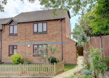 Thumbnail 2 bed maisonette for sale in Bevans Close, Greenhithe