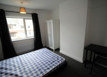 Thumbnail Room to rent in Wyken Avenue, Coventry