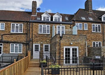 Thumbnail 2 bed flat for sale in Chiltern Parade, Chesham Road, Amersham, Buckinghamshire