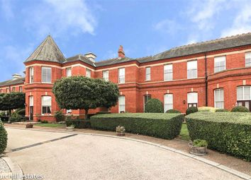 Repton Park, Woodford, Essex IG8. 2 bed flat for sale